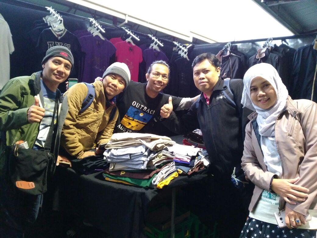 Foto Bersama Mas Ade di pasar Victoria Market